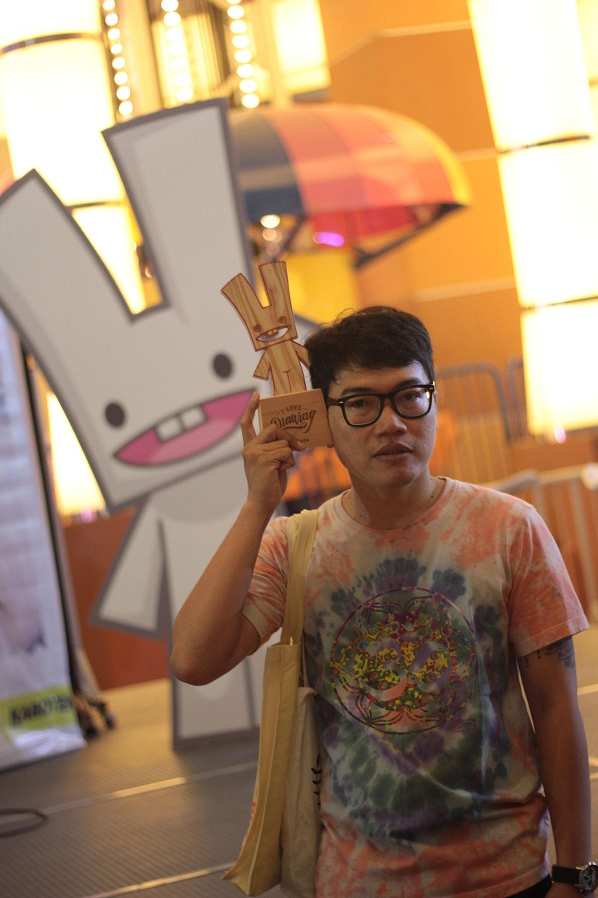 Komikazer with Karotenoid Placard
